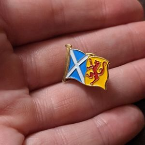 Enameled pushback pin Scottish flags
